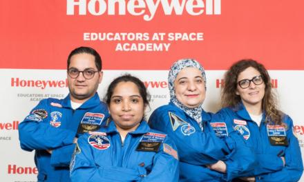 معلمين من الإمارات يشاركون في برنامج خبراء هانيويل في أكاديمية الفضاء لتدريب رواد الفضاء في الولايات المتحدة
