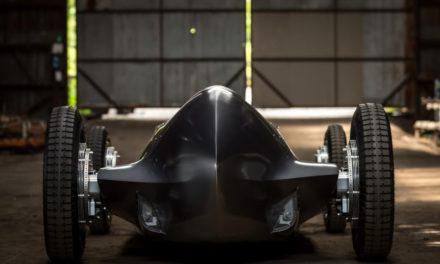 الكشف عن النموذج التجريبي لسيارة إنفينيتي المستوحاة  من التراث للمرة الأولى في موكب بيبل بيتش 2017